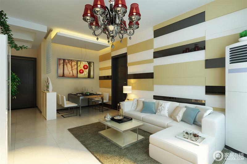 客餐厅一体式设计,简洁大气,有利于互动;米黄色的空间氛围自造了一份暖和;餐厅的吧台简单强调空间,而现代黑白组合的家具搭配彩色挂画,让生活愈加热情满满。