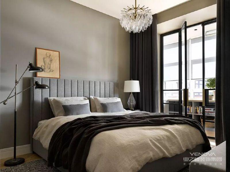 卧室原木色与沼泽绿相结合,很有复古韵味。