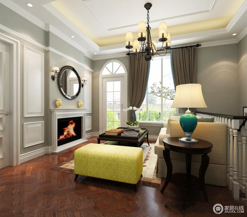 休闲室的立面从灰棕色到都豆青色,营造不同的色彩层次,再加上背景墙以石膏来勾勒,幻化出空间的几何艺术;现代美式家具有条不紊地组合,渲染出生活的精致,浓淡之间,调和出别雅。