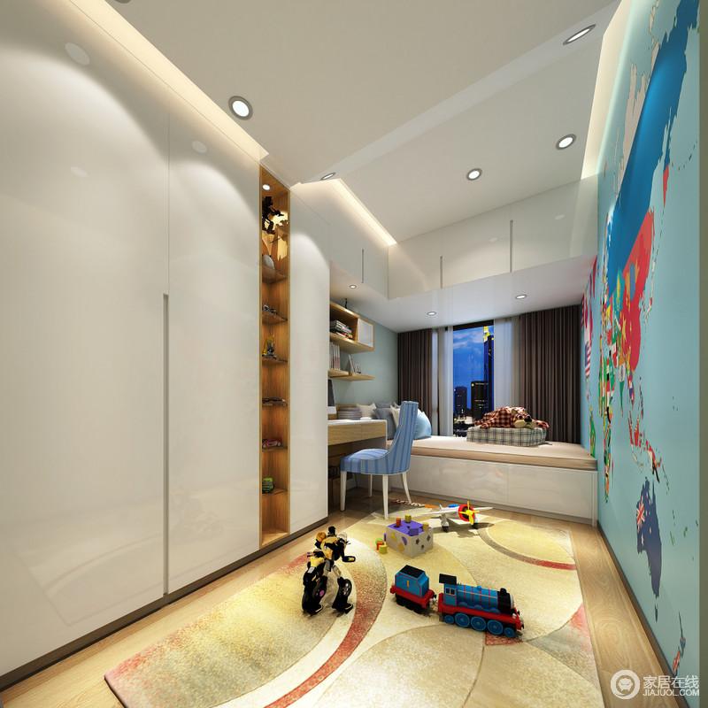 儿童房内藏大量收纳空间的设计,让生活更为方便,白色烤漆柜规整而实用;飘窗处的书桌和木架精巧秀气,营造了浓重的文艺气息,而蓝色地图墙和黄色几何地毯上的玩偶,给与孩子童真、斑斓的生活。