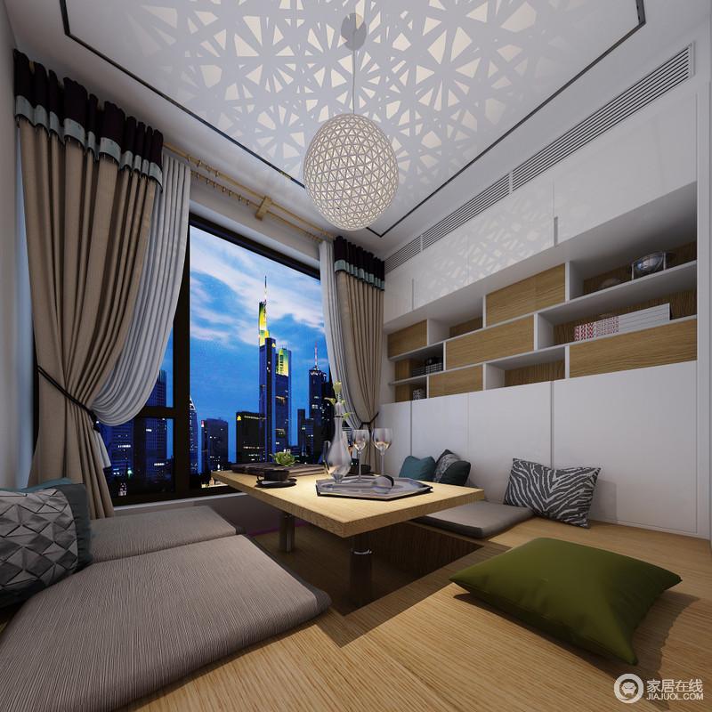 休闲室兼具着书房的功能,即可会友,也可享受个人时光;整个空间线条利落,定制得几何储物柜与可升降的榻榻米,让空间够实用;圆球灯的投影功能,让生活多了不少情趣,缓解了驼色布艺软装的沉默,给与生活更多的乐趣。
