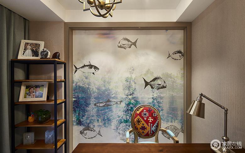 书房的设计,背景采用的是一副装饰画,充满了大自然的生命气息