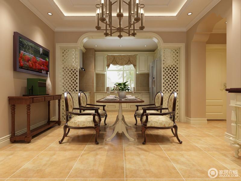 开放式空间并不没有按照常规的结构来设计,而是在改变整体空间结构造型的基础上,将建筑美学变化出新的艺术气息;厨房和餐厅通过实木镂空木结构分割,功能明确而空灵;美式实木边几和挂画组成乡村风,与美式古典餐桌餐椅碰撞出贵气感。