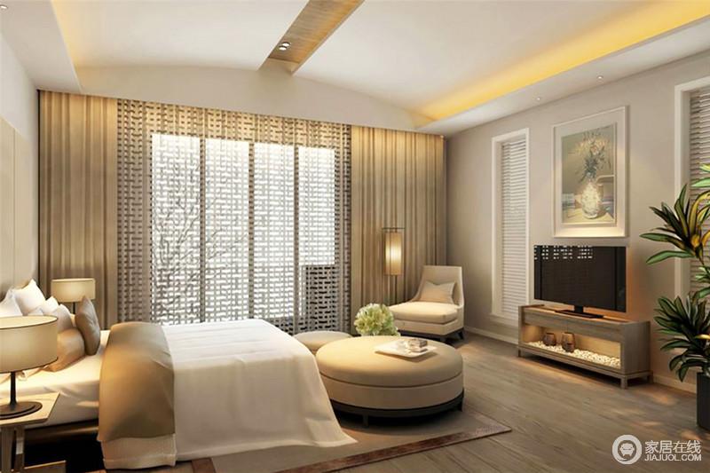 卧室的吊顶好似一个房子的简形,灯带装饰更显结构感;用色上的中性干练增加了整体视觉的柔和,让设计更持久;回字纹的折扇窗空灵尤生,与大气沉稳的中式家具碰撞出轻和,更显舒适。