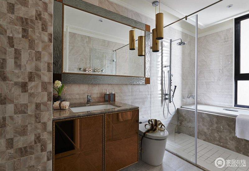 卫生间以干湿分离的设计,让沐浴也利落,小白砖的设计让空间足够亮堂;盥洗柜和镜子的复古设计,中西合璧,使东方的内敛与西方的浪漫相融合,也别有一番尊贵的感觉。