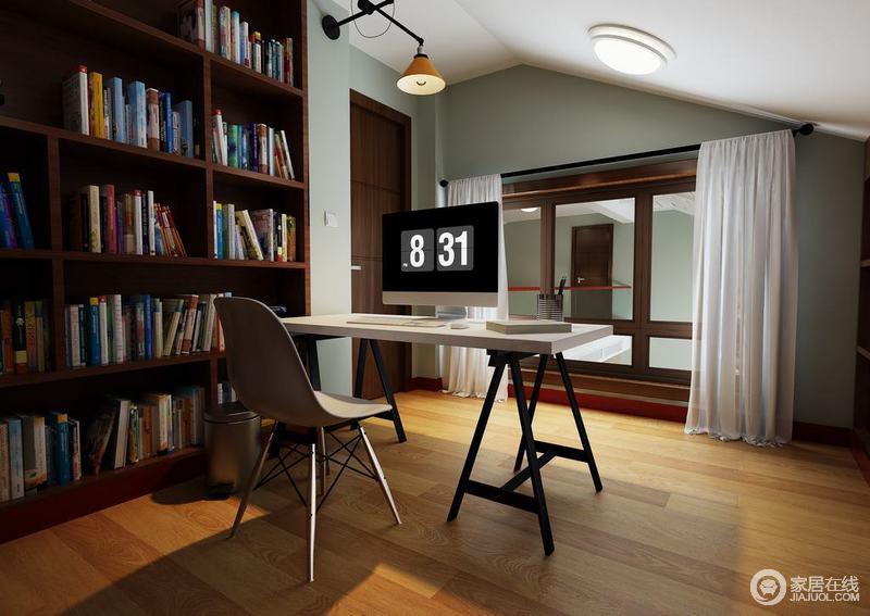书房并没有打破原有的建筑结构,而是在此基础上涂刷了豆绿色涂料搭配白色吊顶,原木地板,营造自然清和与温馨;褐色门框和书柜搭配白色窗帘、书桌,给予家不一样的温情和安适。