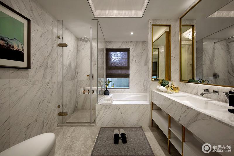 卫生间选用了大理石纹大气高端范儿显露无疑,再加上大理石本身的肌理也成为空间的一种美学;分离式设计解决了干湿问题,直线型的浴缸和盥洗区更是让你体验都市生活的质感。