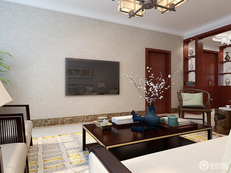 客厅通过动线自然地与其他空间做了分隔,让每个空间都拥有自身的特性;米色为基调,注定成就了生活的温实,而新中式家具的轻简和大气,让家不失品味。