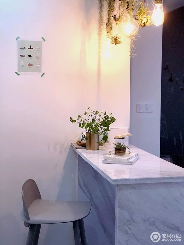 吧台有两个主要功能,水吧和日常餐桌,休闲实用。