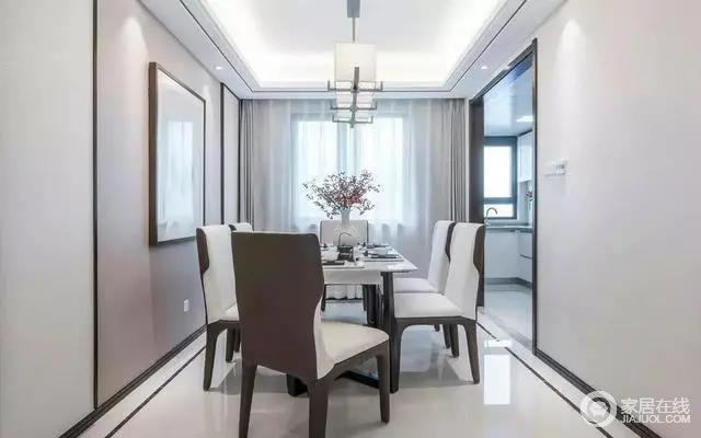 餐厅摆上皮艺餐椅+大理石台面的餐桌,现代端庄的餐桌椅,让用餐氛围显得充满仪式感与端庄气质。