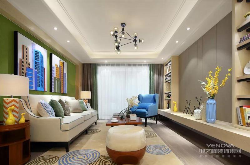客厅沙发背景墙通刷了一层草绿色,清新养眼的同时令空间色彩更加缤纷,落地窗为室内带来充足的采光,营造出一个轻松自在的空间感。