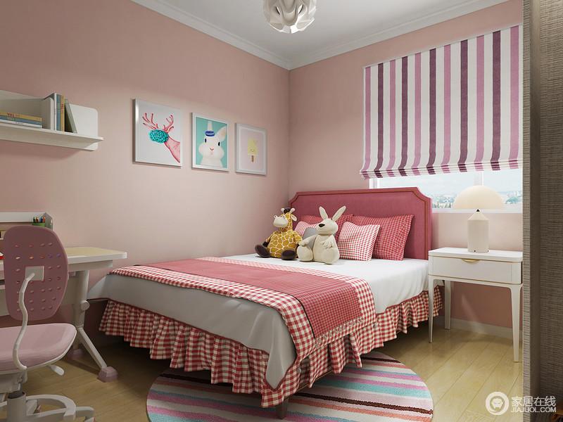 儿童房以桃粉色漆来粉刷空间,搭配粉色条纹窗帘、床品和彩色圆毯,营造出生活的甜美和温馨;柔和的空间色调,搭配白色系家具、玩偶,写照出孩子美好的生活。