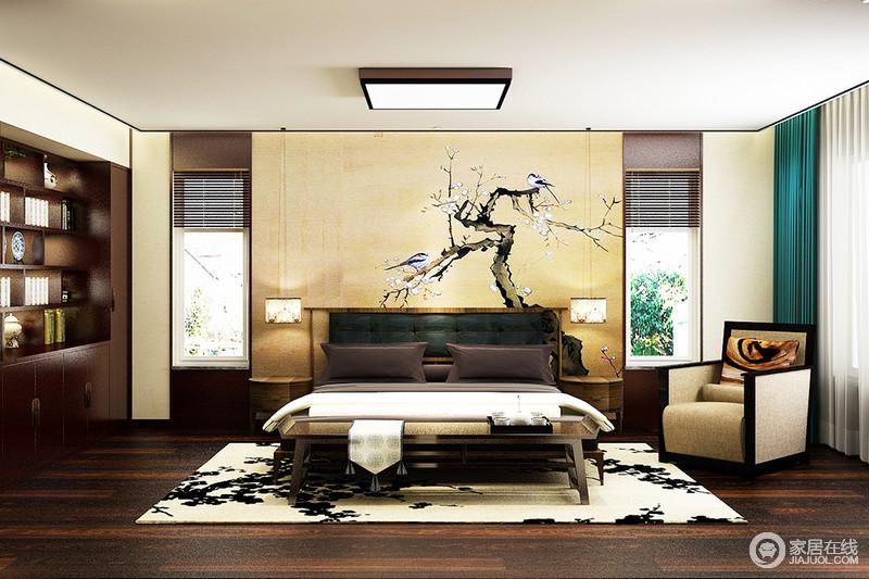 卧室整体以黑色脚线作了结构上的装饰,更为立体规整;背景墙米色的基调缓解了深色实木地板的厚重,平衡出了东方之美;实木储物柜嵌入式设计也做到了精巧实用,搭配造型不同的家具,打造利落,而中式风的背景墙与地毯裹挟着中式韵味,奠定家的新润暖意。