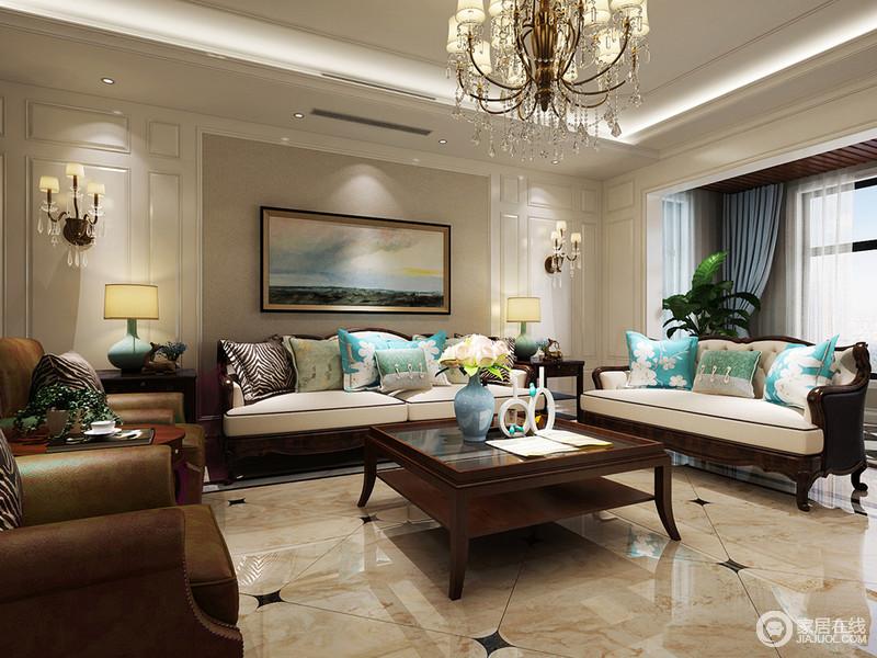 深浅分明的客厅,使空间感便大。棕褐色的皮质沙发及同色系的实木双层玻璃茶几,带着复古的典雅。米白双人沙发上,多色靠包清新混搭,为空间注入明快愉悦感。