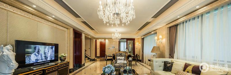 客厅和主餐厅以欧式吊灯和壁灯来营造恢弘与奢华,新古典家具的复古设计锦上添花,与黑色尊贵地餐桌椅搭配出古典时尚,给人一种大气、奢华之感。
