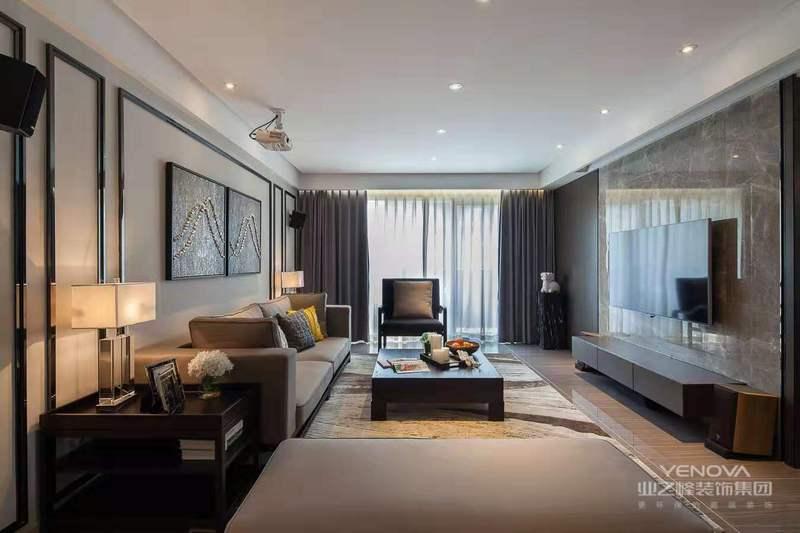 现代简约风格的设计中颜色的搭配也是一个重要因素,不同的颜色搭配能够营造出不同的装修风格,同时现代简约风格的设计也有适用的色彩搭配。可以选用硬朗的红色为主色调,可以在整体居室环境中采用红色的地板铺贴,在加上蓝白相间的窗帘,与地面的红色形成鲜明的对比,同时家具和天花板、墙面都采用白色,使得空间中的设计相得益彰。同时还可以选择明快的黄色、橙色作为家居装修中的主色调,也可选用典雅的粉色、优雅的玫瑰红和淡紫色作为整体现代简约风格设计的主色调。