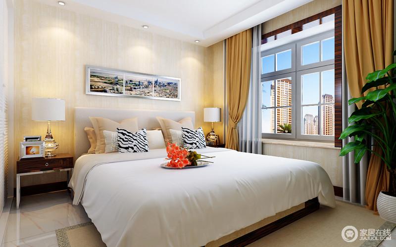 卧室以结构的规整,凸显空间的利落,白色吊顶上的射灯搭配两盏水晶底座的台灯实现空间的照明需求;米黄色的壁纸搭配棕黄色窗帘,为整个空间渲染了份和暖,白色床品上的斑马纹靠垫与现代家具,拼凑出了现代生活的温馨。