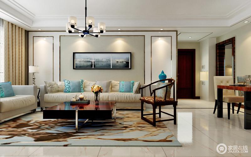 空间结构精炼,金属边框装饰整个墙面,凸显了几何感,搭配颜色不一的中性色涂料,粉刷出空间的清淡与温和;布艺沙发足够柔软和舒适,蓝色底的褐木纹地毯搭配圈椅,雕刻出了新中式的别雅,让空间足够大气、雅致。