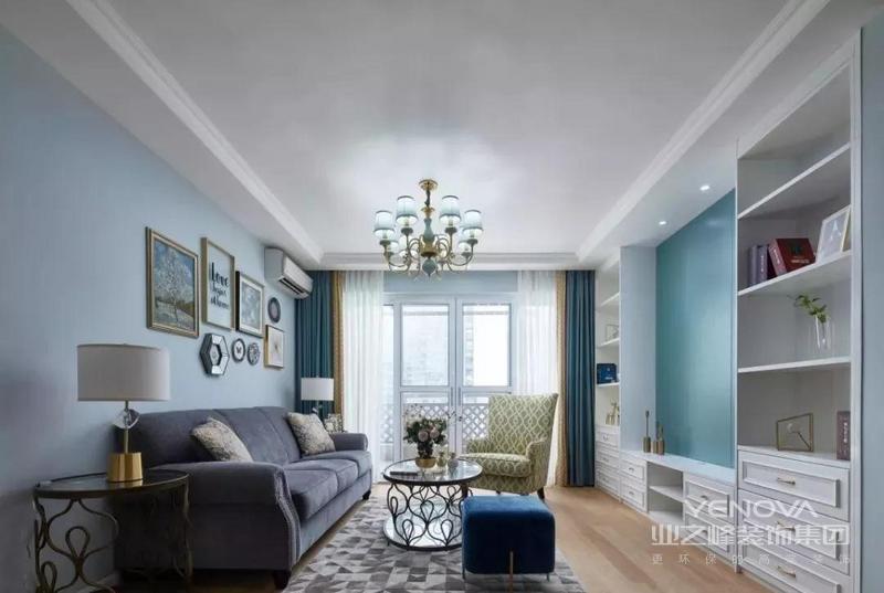 白色和Tiffany蓝是整个客厅的主题色 宁静优雅的气息弥漫开来 整个客厅自然而清爽