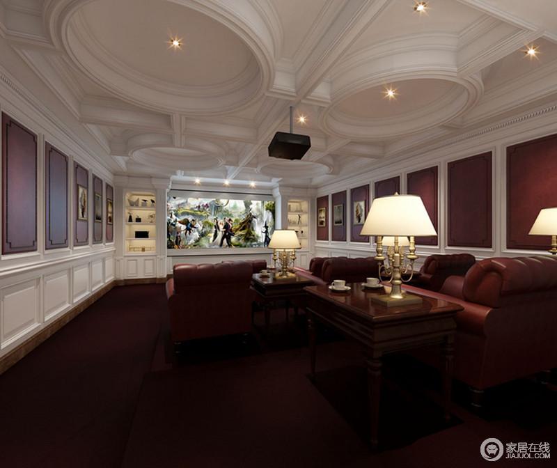 影音室十分宽敞,整个吊顶以方圆造型演绎结构美学,并与几何的墙面构成大气;红色漆与白色石膏墙给与家热烈地氛围,裹挟这红色新古典沙发、地毯,带来色彩艳丽,黄铜吊灯增添了不少精奢。