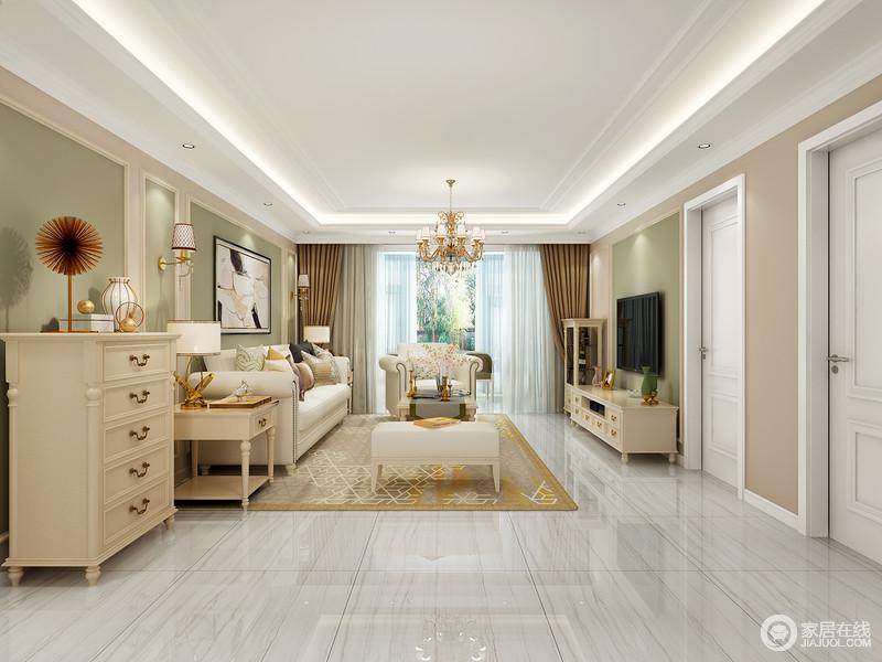 客厅矩形的吊灯因为灯带极具气势,也呼应了设计上讲究得简洁;背景墙粉刷了豆绿色和驼色漆,和暖之中带着轻快,搭配现代美式家具,既彰显生活的品味,又给主人一个颇为安谧的空间。