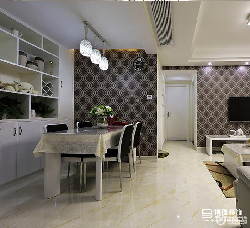 餐厅比较小,但是布置不能少,餐桌、餐椅、餐边柜,处处都透露出设计师的小心思。