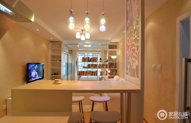 外形简洁、功能强,强调室内空间形态和物件的单一性、抽象性,开放式吧台作为餐厅,更为自由。