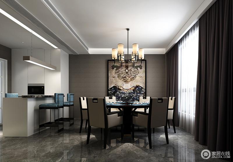 内敛成熟的棕灰色与安静纯粹的白色,分别作为餐厅和西厨的主打色,形成对比搭配;西厨的休闲吧台,隔而不断的划分空间,使空间与空间互相独立又亲密沟通,给就餐带来无限方便和休闲感。