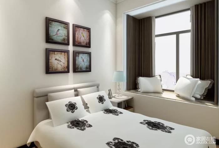 """装修的简约一定要从务实出发,切忌盲目跟风而不考虑其他的因素,简约的背后也体现一种现代""""消费观""""。正如这个卧室,从舒适和实用出发,却利用彩色画作增加自然情趣,同时利用咖色窗帘和白色床品营造空间层次。"""