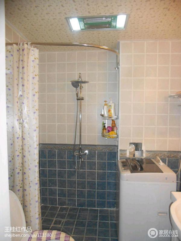 卫生间的隔断帘与墙面砖完全表现出了地中海的格调,这个隔断帘小清新。