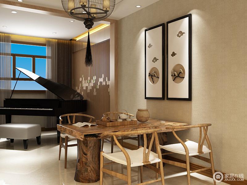原本的茶室线条就很规整,借木楞墙来增加空间的灵动;米驼色墙面因为简画而点缀出中式新简约,与实木茶台的精致构成生活的一种东方意境,品茶、听琴便是一种乐趣。