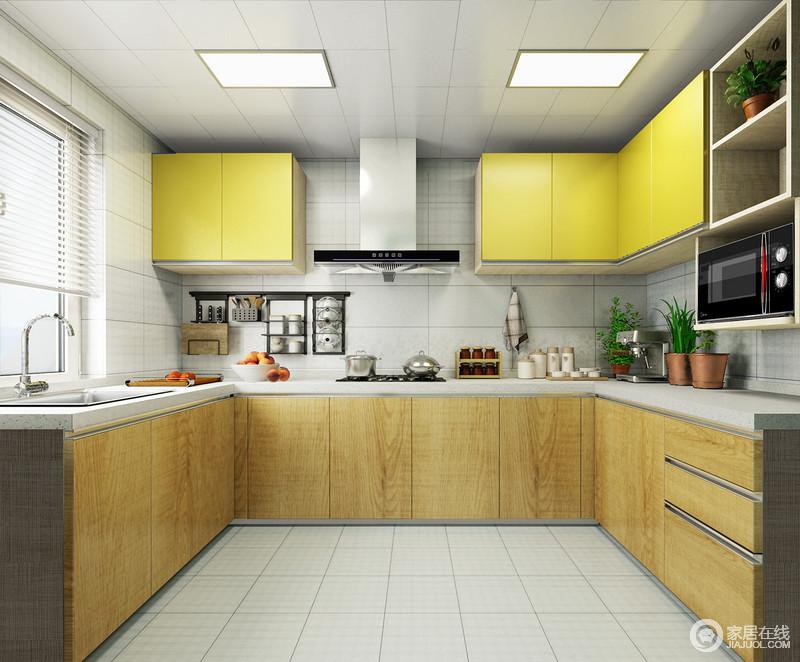 厨房以米白色的砖石来铺贴墙与地,甚至集成吊顶都与之呼应,演绎线性设计的简单;U型橱柜让日常的操作更为方便,也足够实用,而原木橱柜搭配黄色吊柜,不仅为空间带来自然朴质,也添置了现代时尚。