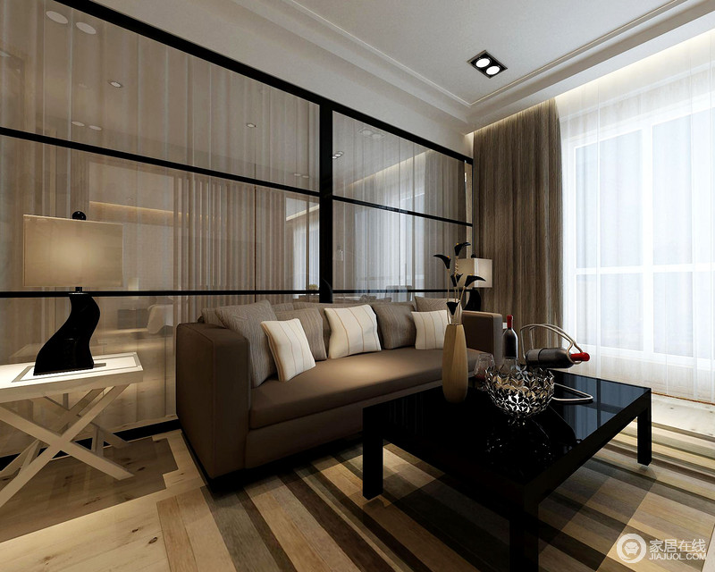休闲室因为灯光设计上的缘故略显深沉,咖色沙发与黑色茶几十分庄重,却因为条纹地毯的点缀多了些色彩和活泼,尤为简约和时尚。