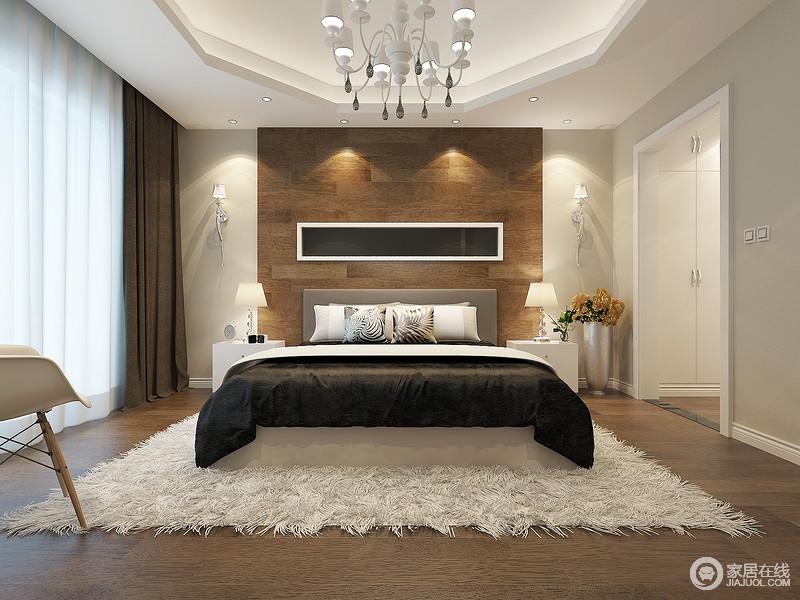 空间因为多边形的吊顶设计显得更为别致,在驼色调的基础上,原木地板和背景墙调和出了家的朴质;个性精致地金属壁灯、白色简欧吊灯赋予空间华丽,白色床头柜和台灯与之以对称美学,打造出了足够经典、温和的氛围。