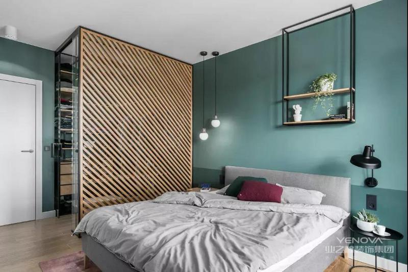 简约主义风格的特色是将设计的元素、色彩、照明、原材料简化到最少的程度,但对色彩、材料的质感要求很高。