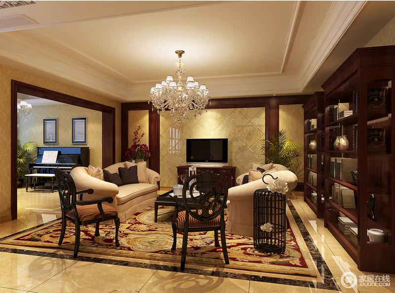 客厅以米色系瓷砖来铺贴立面,背景墙更是以菱形的设计变化出线条与几何之美,硬朗而利落;花卉地毯提升了空间的奢贵,搭配木椅、灰色布艺沙发,让生活愈发惬意。
