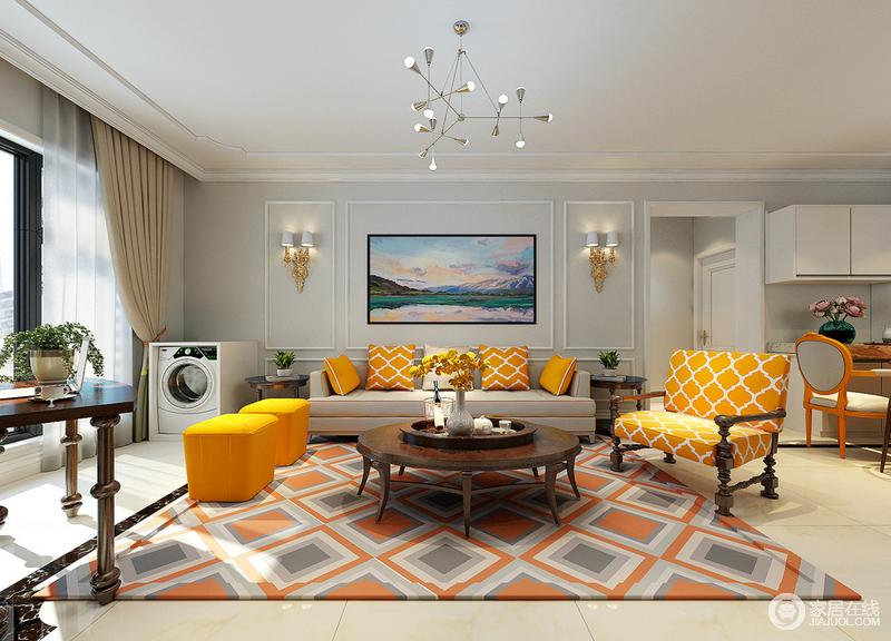橙黄是欢快温暖的色调,设计师大面积运用空间中,搭配着网格和方格纹饰,营造出活力多姿的氛围;背景墙以浅灰打底,石膏线勾勒出轻奢的精致感,素简的墙面衬托着空间的橙黄,古典与现代的家具混搭,空间被构筑的新鲜活泼。