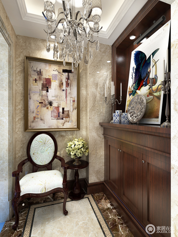 木质家具是对自然无限的敬意,它生发出富有质感的家具,而画作、花艺、陶瓷和银器却上演着无限的魅力,让空间静谧中也万般优雅。