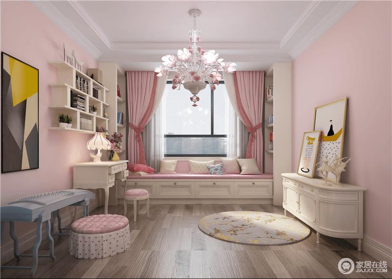 女孩的书房因为粉色漆粉刷得多了温暖感,粉色窗帘搭配榻榻米提升了甜美感,搭配几何悬挂式书架,尽显实用美学;圆毯与边柜因为挂画、饰品让空间更为饱满。