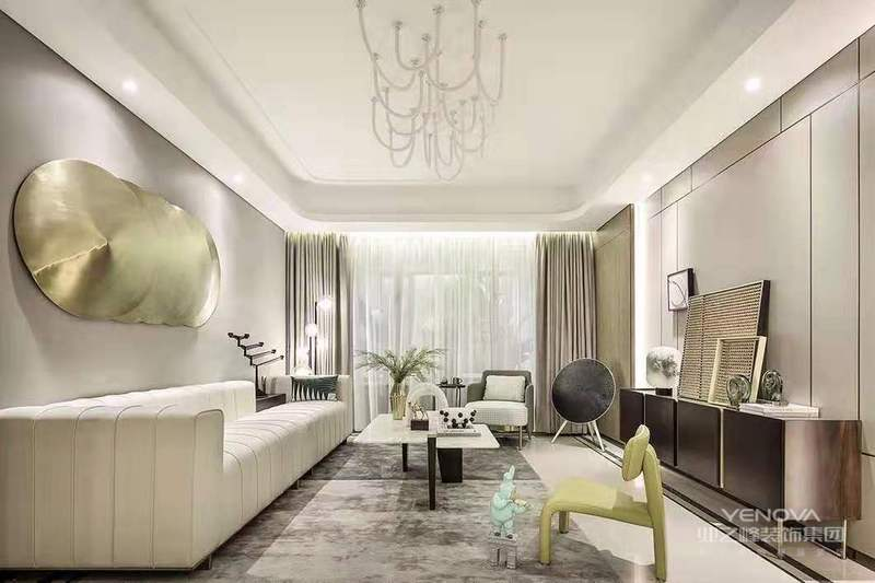 现代美式风格的别墅设计,独特创意无限风情。别墅设计的巧妙之处在于,经过设计师的独特创意,能够把原本空洞乏味的空间变得丰盈充实,以一种鲜活的姿态呈现在众人面前。
