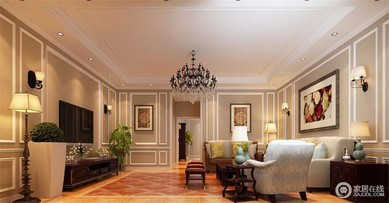 客厅空间以层次分明的线板及古典壁板传递美式风的经典语汇,清新淡雅的沙发系列和陈列的摆件,将空间中的明朗纾压氛围呈现出来。