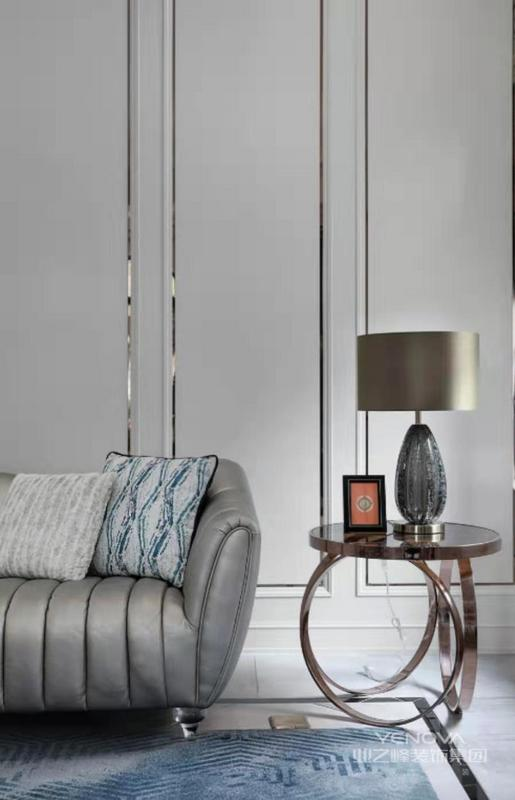 沙发一角搭配上边几,让空间不布置的更加灵活