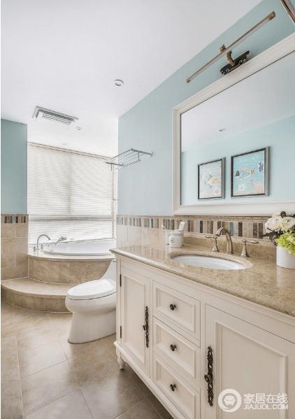 卫生间临窗设计了美美的浴缸,忙碌了一天回到家后舒服的泡个澡,可以迅速提升幸福感。