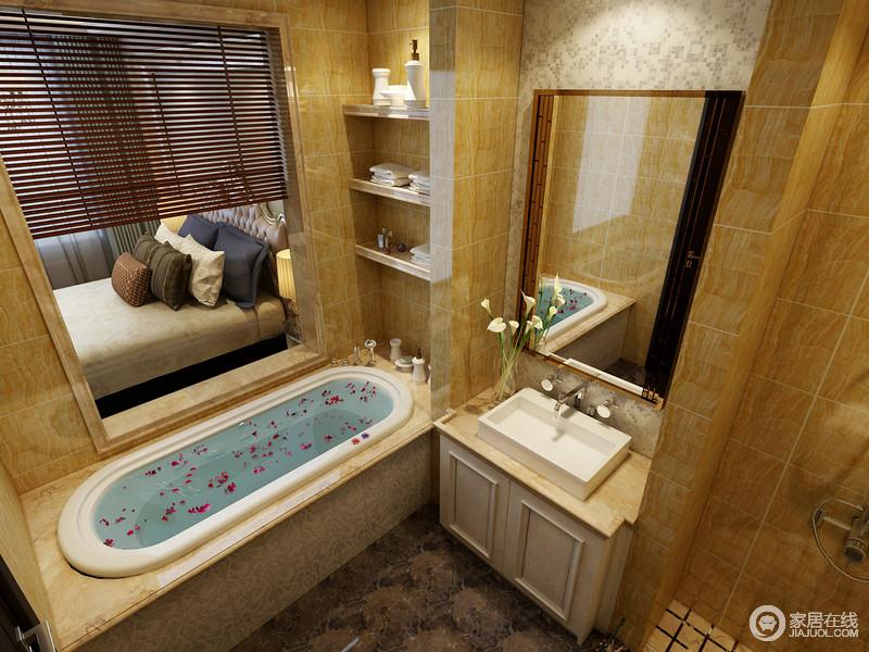卫生间以土黄色的砖石铺贴空间,自然而然地营造和暖;浴缸区的立面收纳设计十分实用,悬挂得镜子显得空间更为明快,打造够利落的空间。