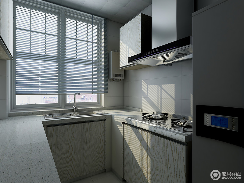 厨房U字形设计,让小空间也具有大功能,原木材质的橱柜搭配浅灰色台面,易打理,巧收纳,让生活变得更为惬意。