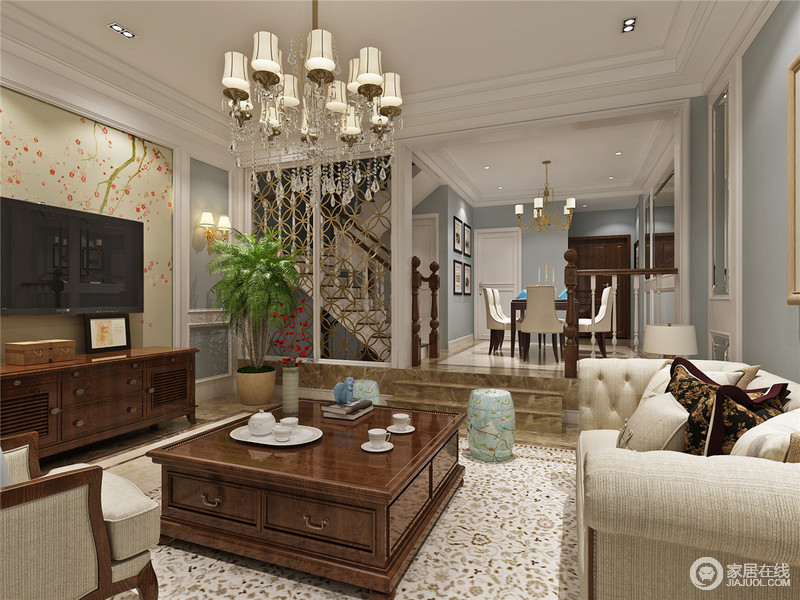 客厅的白色吊顶线条规整,与整个空间的设计不谋而合,成就利落大气;而木楼梯的工艺和造型赋予空间美式底蕴,正如美式家具组合以功能、色彩搭配的方式,给予主人生活的温和。