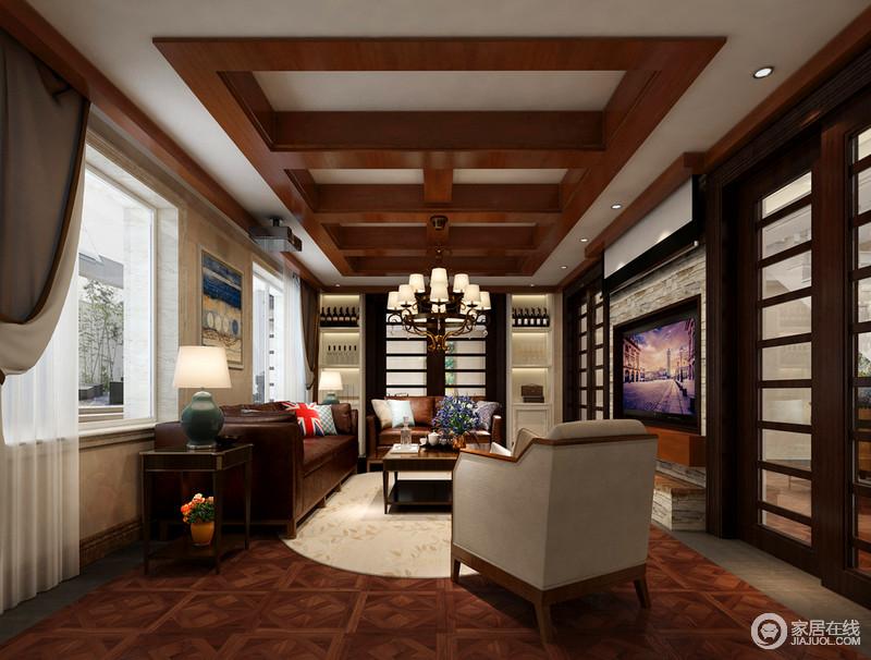二楼的客厅契合主人的气质,在木质的温润中混搭复古家具,使客厅展现出成熟雅致的韵味来。清新淡雅地毯上的碎花,将室内外自然的联系起来。
