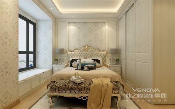 卧室设计简洁大气,当暖光洒下来时,照在高级灰的床上,是不是又增添了舒适浪漫的氛围呢?