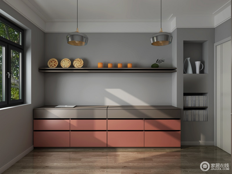 这是一个休闲室,具有储物的功能,当然了,如果家里来人了,也可以将伸缩式沙发床放在这里。