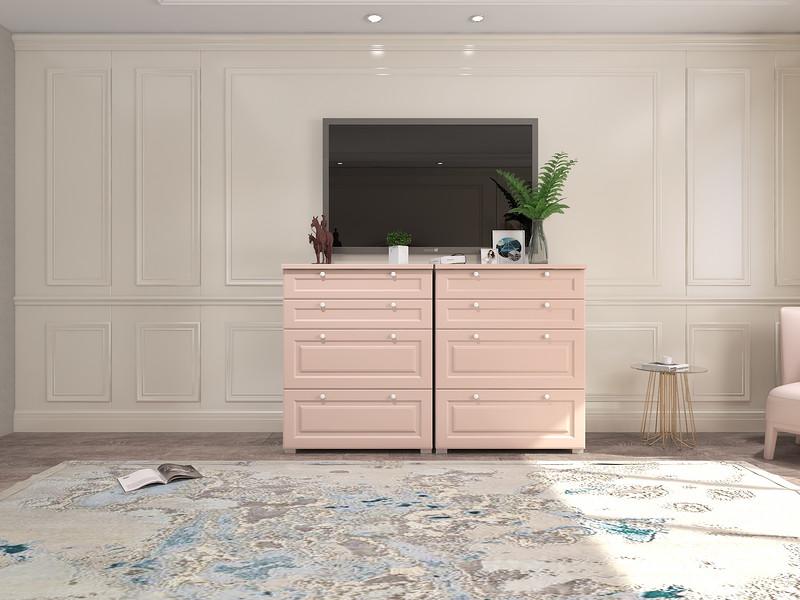 空间专门配置了一个粉色的电视柜,带着简欧的设计和粉色的甜美,为空间带来实用与美学,花卉地毯加重了空间的复古气息,以点点之蓝,表达优雅。